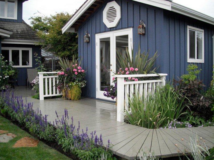 Cabane Jardin Moderne Bleue Cadre Porte Blanc Roses