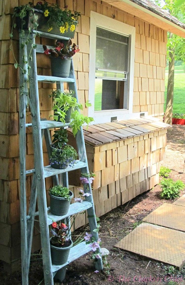 10 Beautiful Ideas To Recycle Or Repurpose Vintage Wooden Ladders Creatistic
