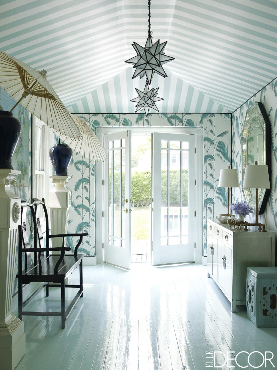 Amazing-wallpapered-entryway