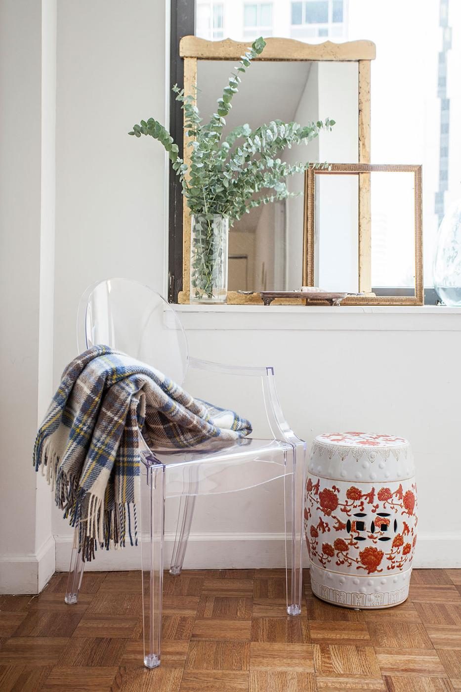 Entryway-Ghost-chair