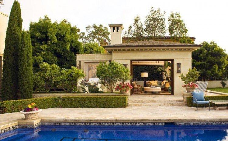 cabane-jardin-moderne-pool-house-piscine-terrasse-bordure-buis ...